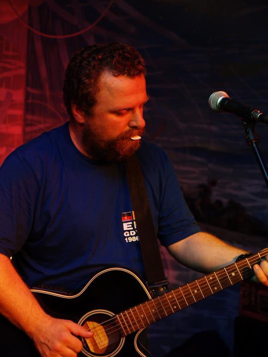 Jan Wydra – gitara, śpiew lider zespołu